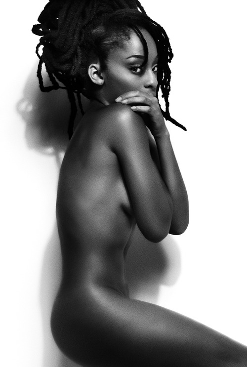 model-mayhem-nude-ebony-anne-curtis-snude
